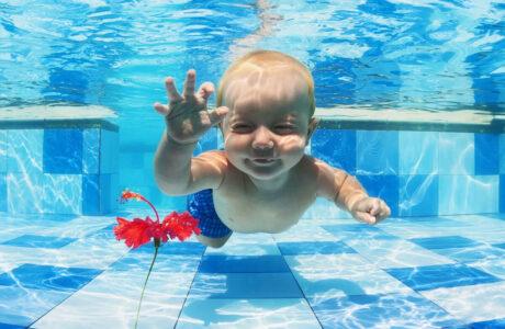 До чого сниться плавання у воді
