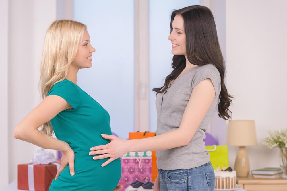 Чіпати живіт вагітної