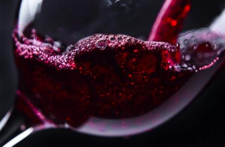 Сонник Вино — приснилось пить красное или белое Вино, толкование снов по сонникам