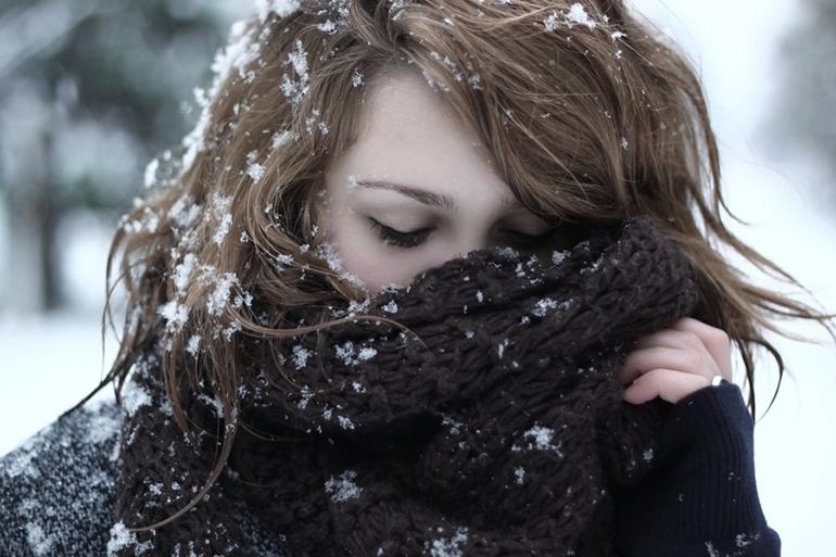 Снег упал на волосы
