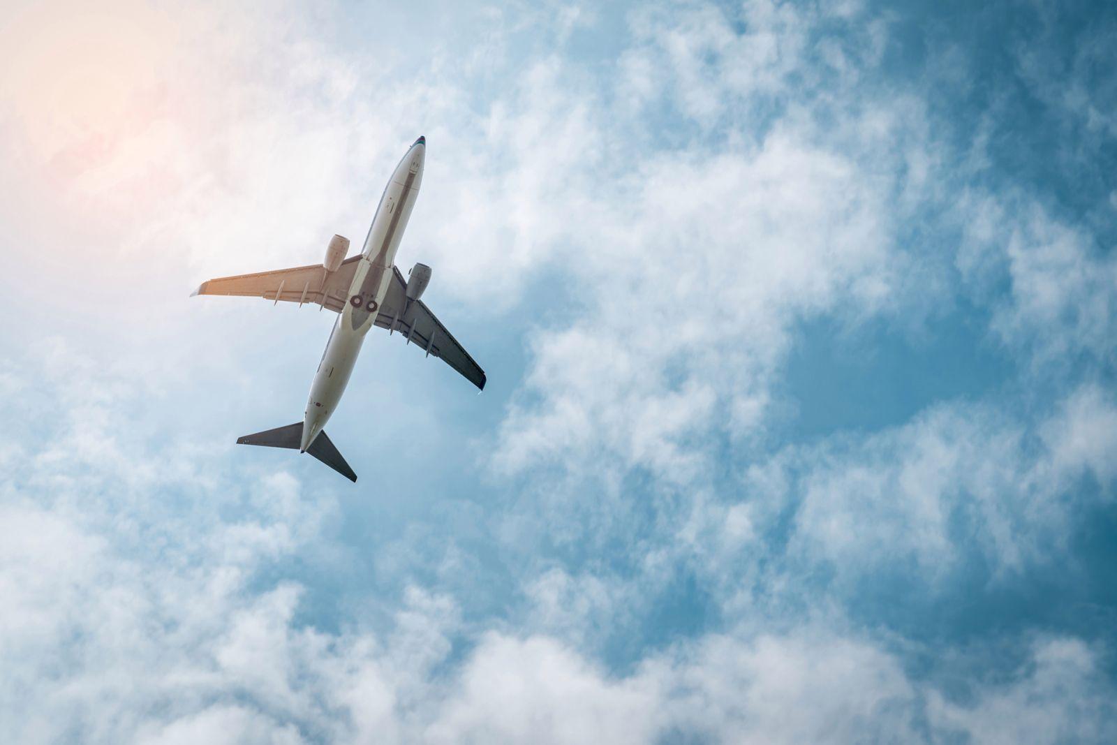 К чему снится самолет толкование.