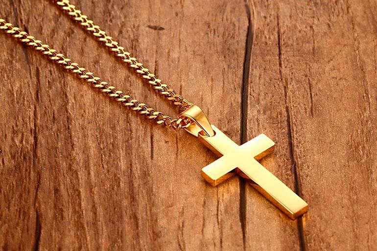 Хрест, що висить на ланцюжку