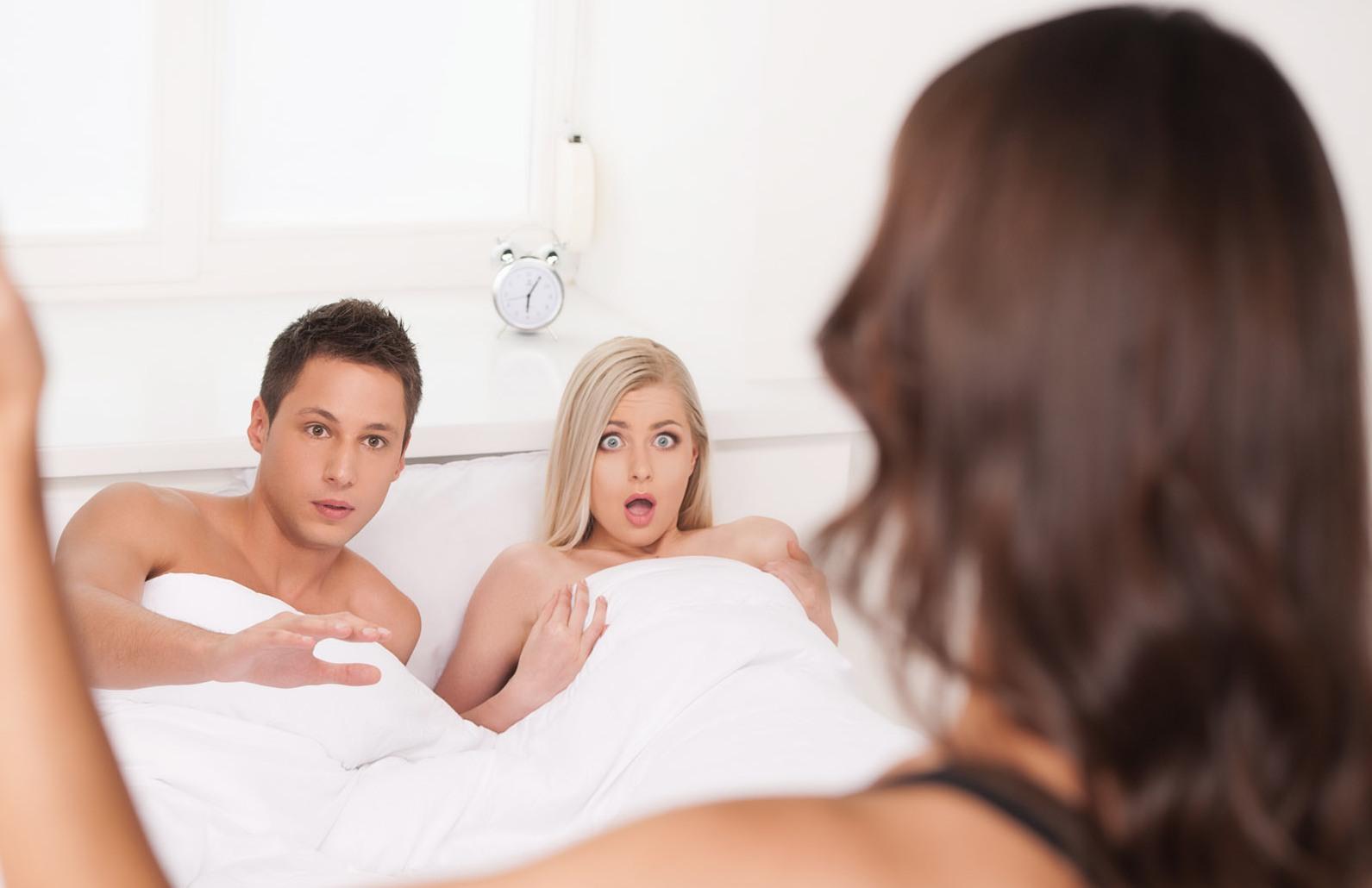 К чему снится измена мужа значение.