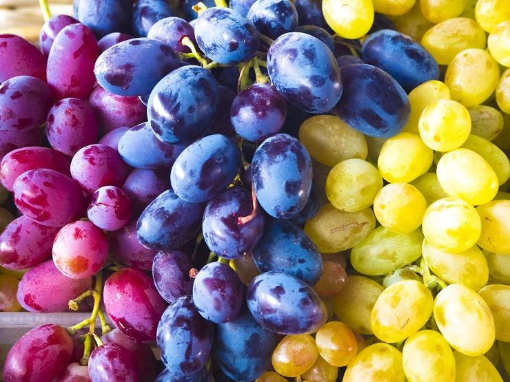 К чему снится виноград толкование.